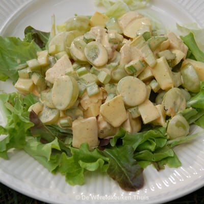 Kipsalade met curry-yoghurtdressing